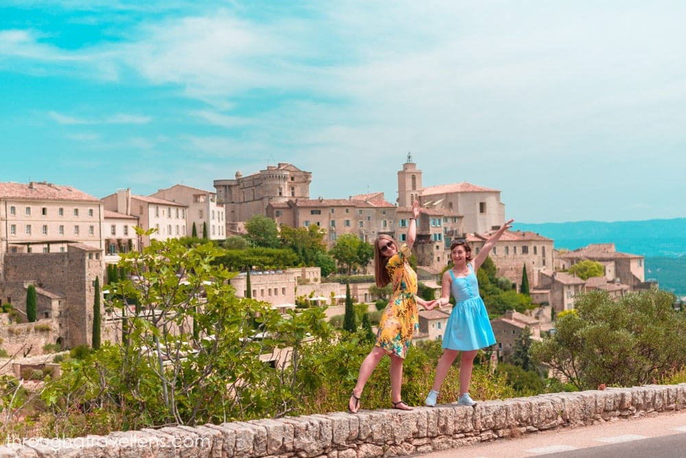 What to do in Provence? Head towards Gordes and spend a couple of hours wandering the streets of this town