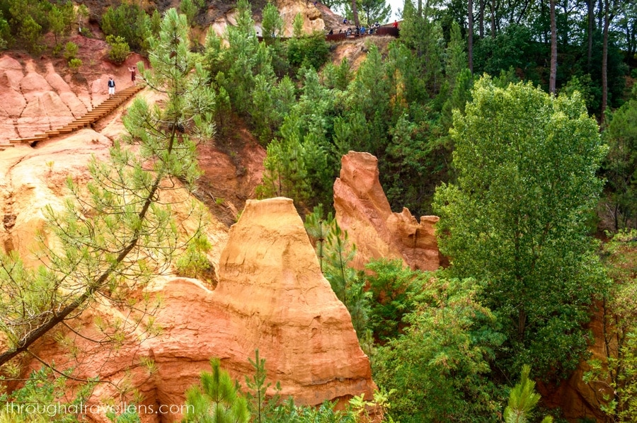When looking for things to do in Provence, explore the ochre canyon of Roussillion