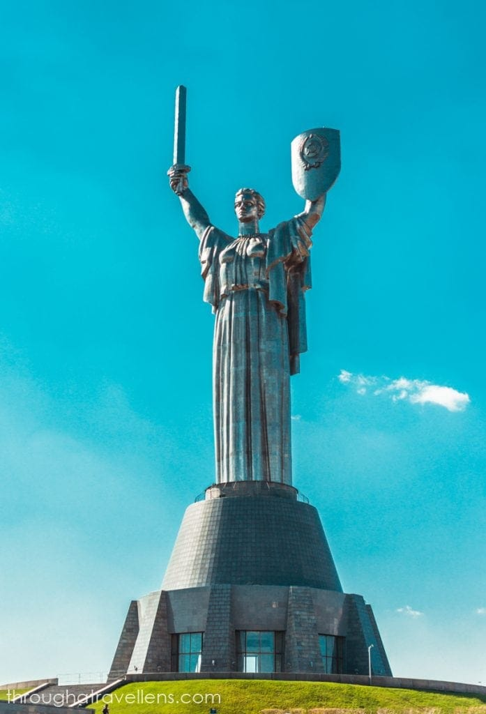 Kiev for tourists: The Motherland Monument