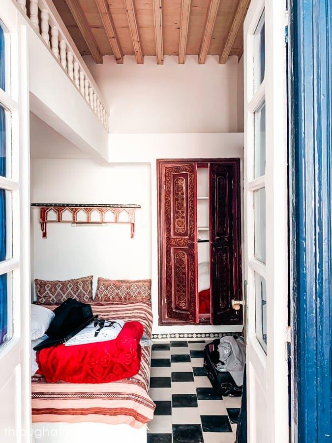 A bedroom in a road in Essaouira