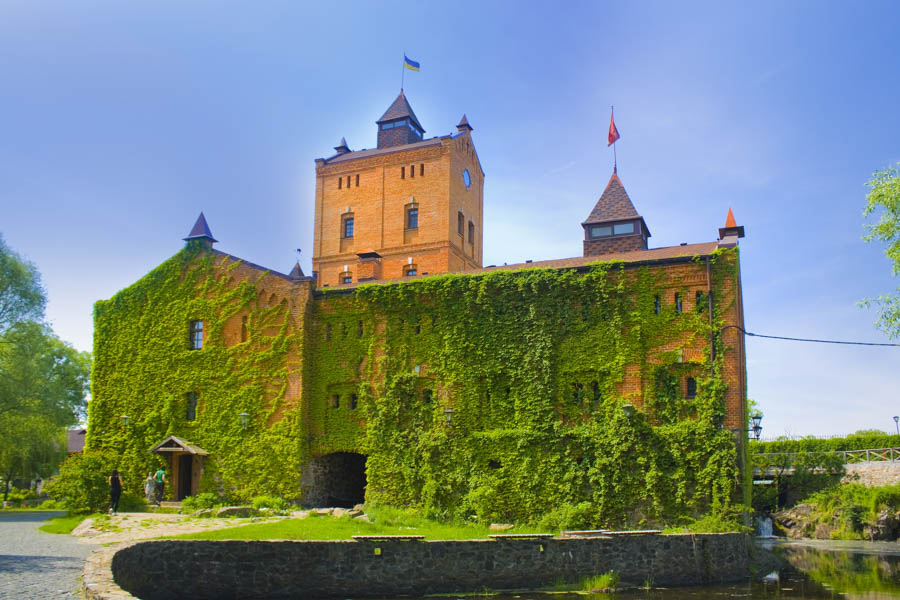 Radomyselsky castle is located not far from Kiev and makes for a perfect day trip